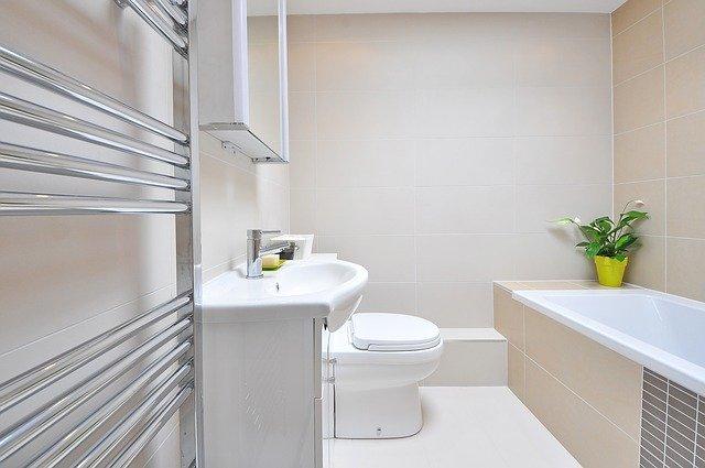 Geweldige eenvoudige tips om je badkamer schoon te maken