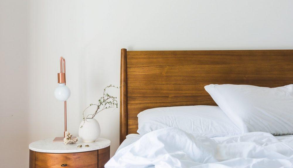Zo bespaart je op energie in de slaap en woonkamer